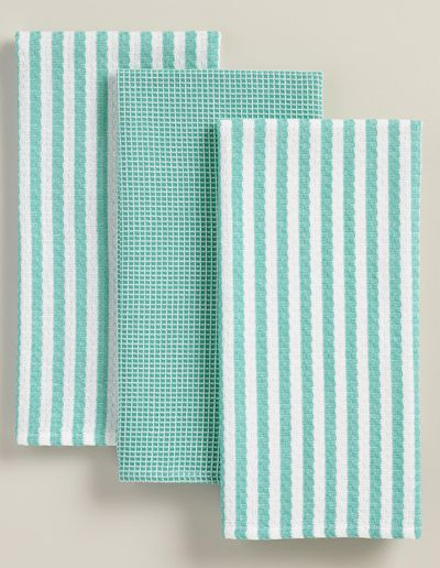 Made of cotton with a waffled texture, thisAqua Waffle Weave Kitchen Towel Set features two striped and one checked towel, all patterned in bright aqua. They're great for everyday use and affordab...