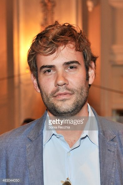 Rossif Sutherland. Rossif was born on 25-9-1978 in Vancouver. He is an actor, known for Poor Boy's Game, Timeline, High Life and The Con Artist.