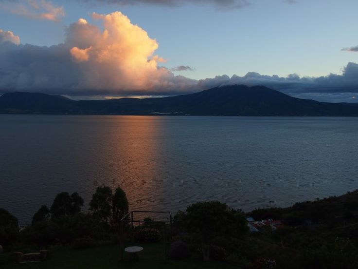 Travel writing - Beautiful sunset at Lake Chapala  Read more: http://www.traveltherenext.com/news/item/707-travel-writing  #travelwriting #mexico #ajijic #interesting #experience #travel #traveltherenext #sunset #lakechapala