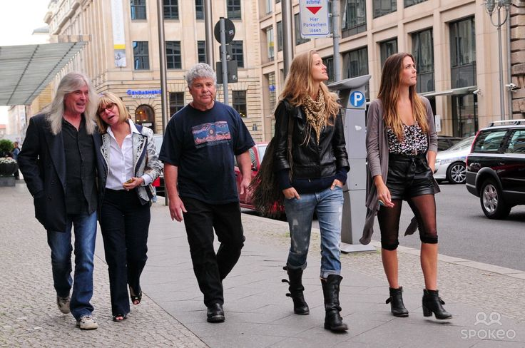 Cliff Williams of AC/DC and his family outside Regent Hotel.