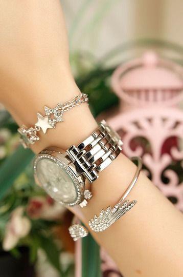 Gri Metal Kordonlu Kristal Taş Kasalı Bayan Saat ve Bileklik Kombini hover