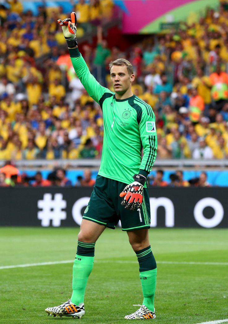 Manu Neuer, Fußball Gott!