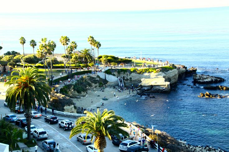 A little gem of a beach, La Jolla Cove is the most photographed beach in San Diego.  Because it is ecologically protected, it is home to olorful garibaldi, yellowtail, rays and even leopard sharks.  Swimming and scuba diving are allowed.  There are facilities and picnic areas.