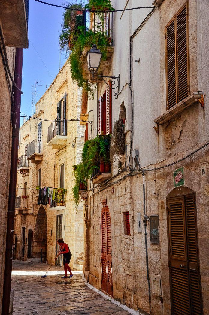 Giovinazzo, Puglia, Italy, city, old town, historic, architecture, traveling, travel, travel blogger, andreea iancu