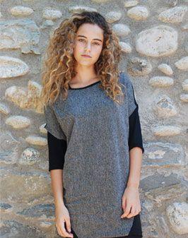 Vestit curt gris amb esquena negre 100% Llana  - 30% Cotó 70% Elastan