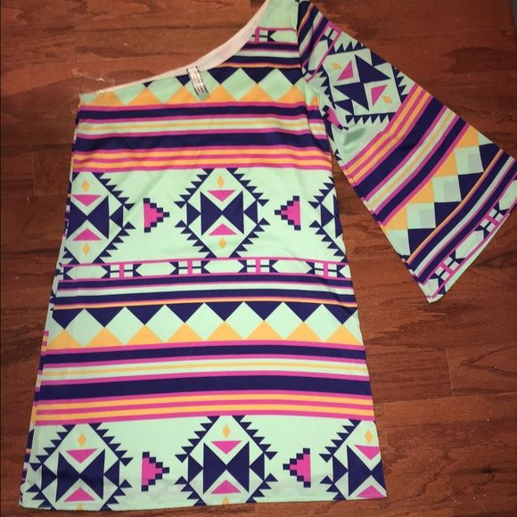 Dress Never worn super cute one sleeve aztec print dress from giddy up glamour!! Love this dress but it's too big for me and I've never been able to grow into it. Size small. Brand new! Dresses One Shoulder