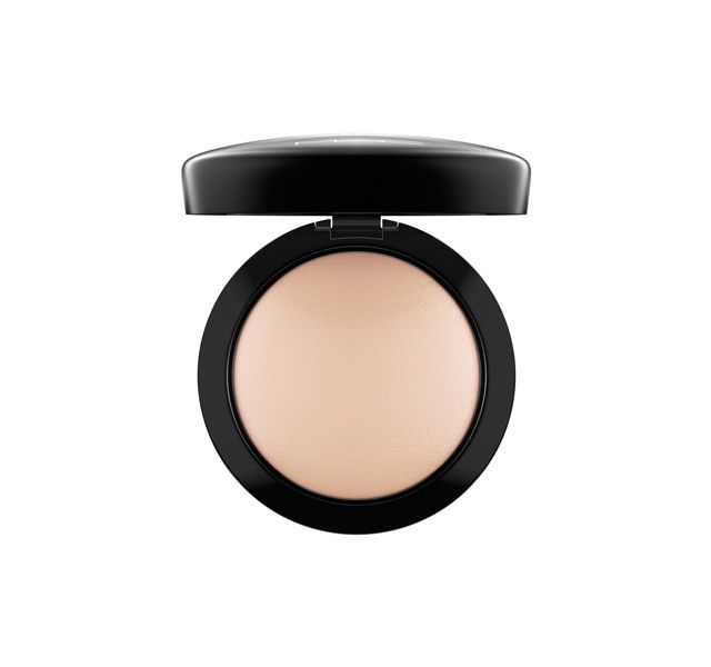 LIGHTPLUS - Free shipping and returns. Mineralize Skinfinish Natural. A slow-baked powder with 77-Mineral Complex that provides a natural, dimensional finish.