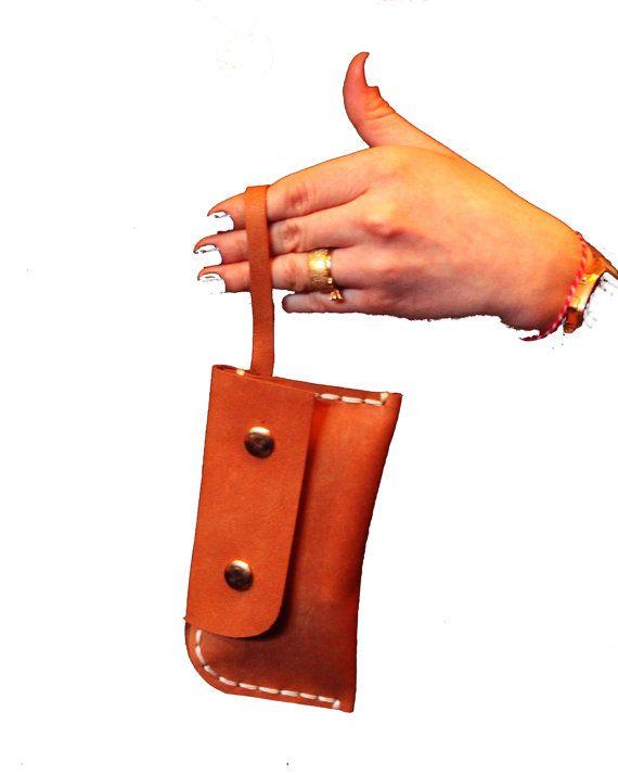 Wristlet clutch purse
