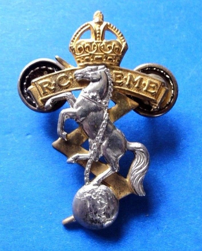 R. C. E. M. E. Frosted Silver and Gilt Officers Cap Badge Kings Crown