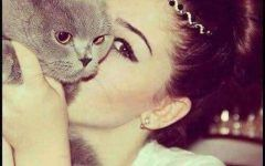 Special Dp Pic Cat lover Girls for Facebook n Whatsapp