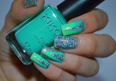 I'm might be unpretty but at least I'm well polished | A nail art blog. #nails #nailart #nailpolish #nail #kiko #green #silver #glitter #gradient #triangle