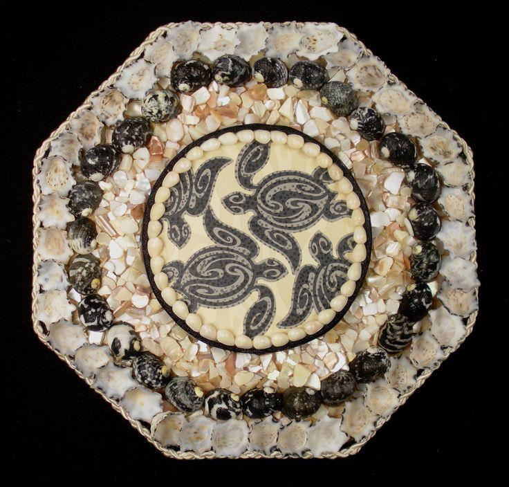 Seashell art sailors valentine 8 octagon shell mosaic for Seashell mosaic art