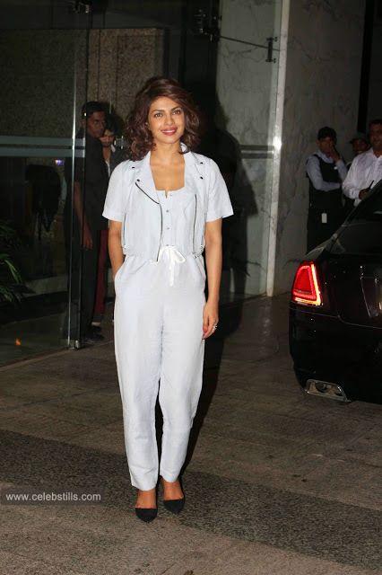 celebstills: Bollywood Stars at Kangna Ranaut Party