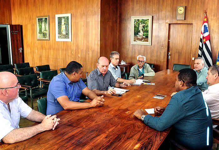Em reunião realizada na manhã de quarta-feira (26), ficou definida a realização da tradicional Carreata de São Cristóvão nesse final de semana em Rio Claro.