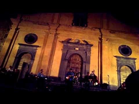 Rosario Giuliani Quintet - Paese di Sabbia  Paese di Sabbia (Dedicated to city of Bagnoregio) by Rosario Giuliani  Rosario Giuliani - sax Kurt Rosenwinkel - guitar Tomas Jochmann - piano Enrico Mianulli - double bass Dario Panza - drums  Notte Bianca in Bagnoregio 3.8.2013  http://www.rosariogiuliani.com http://www.kurtrosenwinkel.com http://www.tomasjochmann.com  #kurtrosenwinkel