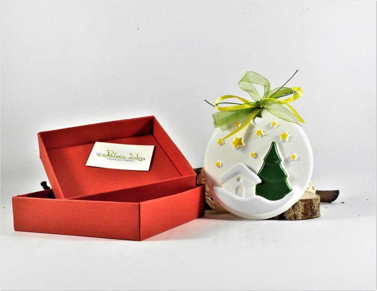 Medaglione in gesso dipinto a mano, decorazione con scatola artigianale. : Accessori casa di pentria-lab