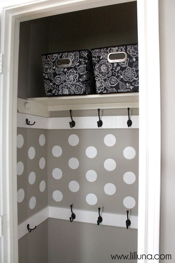 Organized and very functional Closet Makeover - so easy to do and doesnt cost much!