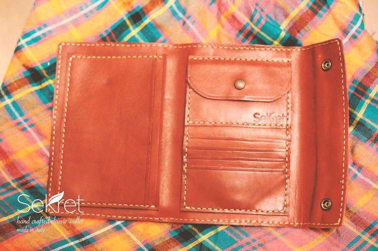 Un preferito personale dal mio negozio Etsy https://www.etsy.com/it/listing/477608061/handcrafted-classic-wallet