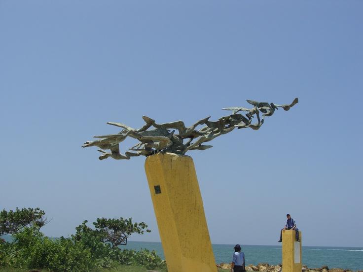 El Monumento a Los Alcatraces, de el artista Eladio Gil
