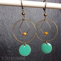 Boucles d'oreilles losange et cercle, turquoise et moutarde par bijoux bleu bohème e