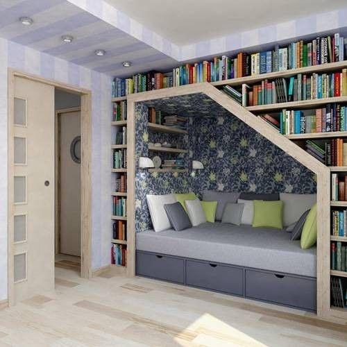 Para amantes de los libros en papel. Una buena opción para tenerlos organizados y ganar espacio es crear esta biblioteca con sofá integrado.: Bookshelves, Idea, Stairs, Books Shelves, Reading Nooks, House, Books Nooks, Booknook, Readnook