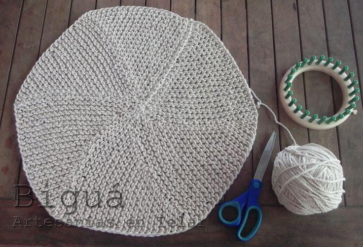 Carpeta hecha en #telar redondo o circular