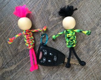Dragonfly keychain - beaded paracord keychain - 550 paracord - dragonfly accessories - Valentines Day gift - paracord beaded dragonfly Add a little whimsy to your keys! These dragonfly key chains are tied with 550 paracord and have little beads for eyes! The color combinations are endless...or they can be all one color. Great gifts for girls of all ages. Dont have a driver? How about a preteen that loves dragonflies...these would be darling as zipper pulls on back packs for school. Use the…