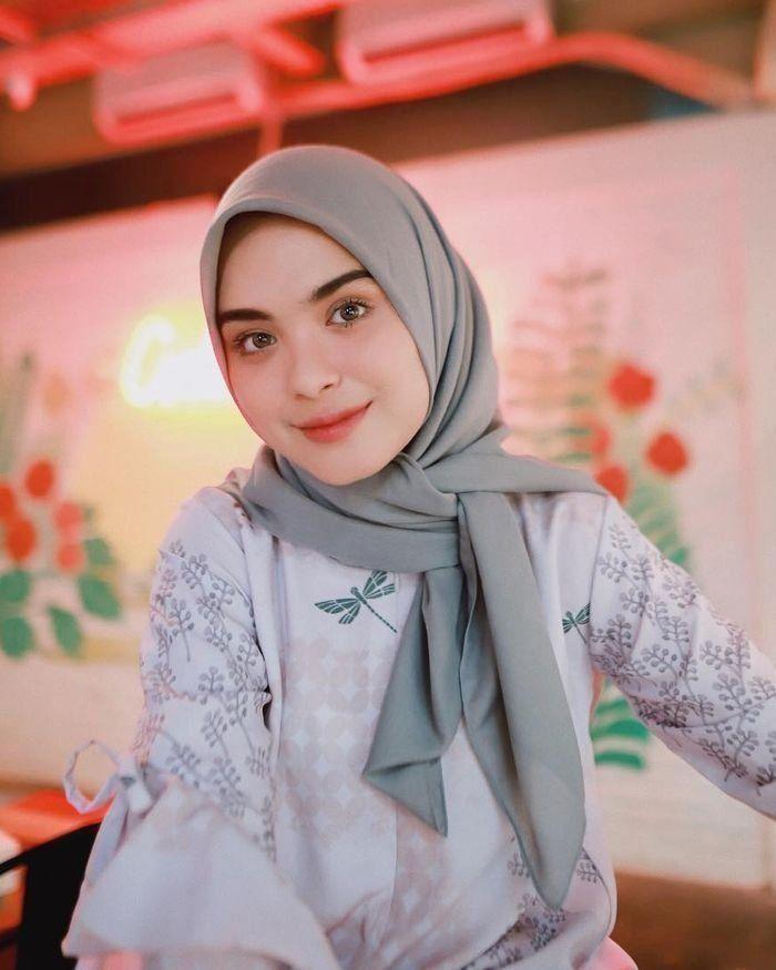 Tutorial Hijab Segi Empat Kain Satin Id Lif Co Id