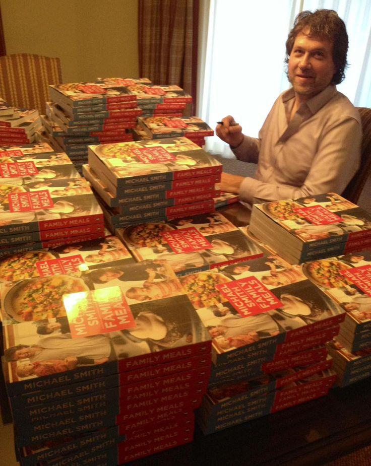Here we go! Starting off the wknd signing #BookMountain for #MerryInMuskoka guests @DeerhurstResort #TisTheSeason