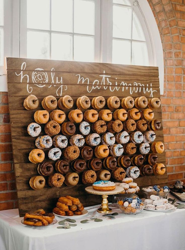 Cute Donut Wedding Food Display Ideas