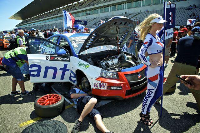 Michel Vaillant gagne la course de Portimao en WTCC... Mais Yvan Muller garde la tête du championnat !Automotiv Press