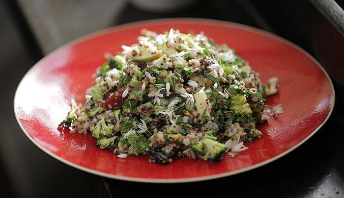 Broccoli Salad http://gustotv.com/recipes/sides/broccoli-salad/