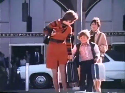 United Commercial 1970 - Ganz viel Happiness (Video) - http://youhavebeenupgraded.boardingarea.com/2017/04/united-commercial-1970-ganz-viel-happiness-video/