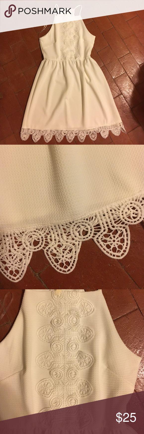 White mid length dress White mid length dress from the boutique, Francesca's. good condition. Francesca's Collections Dresses Midi