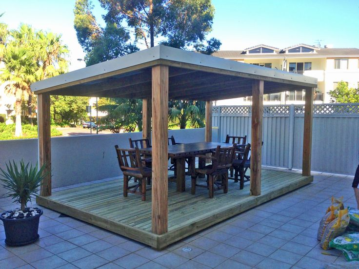 Outdoor entertaining area with outdoor furniture from Aarons Outdoor Living.  Australian made and owned timber outdoor living.