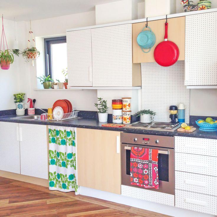 Pegboard Kitchen Storage: 1000+ Ideas About Kitchen Pegboard On Pinterest