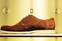 Como limpar sapato de camurça