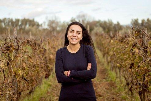 In der Gluthitze Siziliens produziert die junge Winzerin erstaunlich feingliedrige Weine, die die Welt begeistern. Eine Erfolgsgeschichte vom südlichsten Zipfel Europas