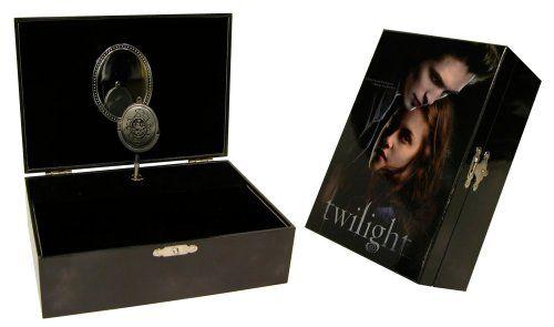 AMAZON EXCLUSIVE! Twilight Music Jewelry Box NECA http://www.amazon.com/dp/B001P5GRYW/ref=cm_sw_r_pi_dp_lB3Pvb198JP80