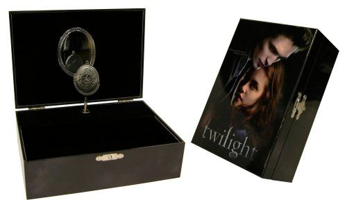 AMAZON EXCLUSIVE! Twilight Music Jewelry Box NECA http://www.amazon.com/dp/B001P5GRYW/ref=cm_sw_r_pi_dp_lB3Pvb198JP80
