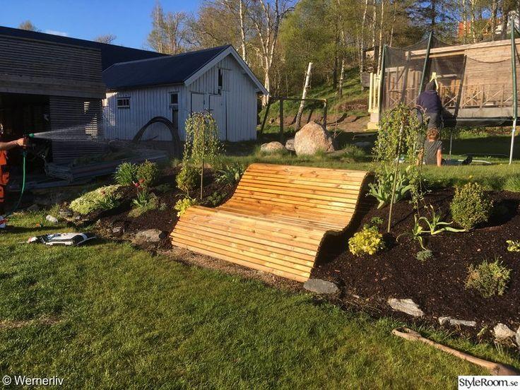 trädgård,bänk,plantering,solstol,sluttning