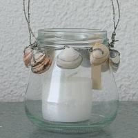 Mini glazen sfeerlichtje met schelpen om rand, inclusief kaars    Hoogte 10 cm, doorsnee 6 cm