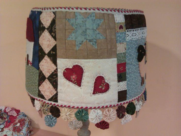 Otro detalle de la lampara country patchwork