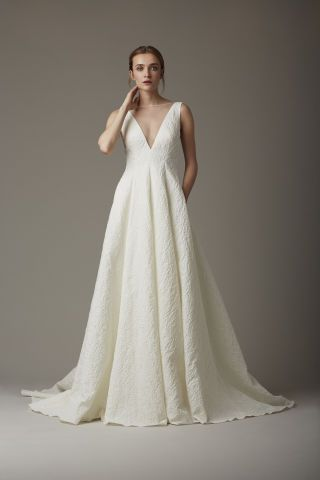 Find 60 of the most beautiful wedding gowns straight from the Spring 2016 runways. See what top designers have in store for your big day here:
