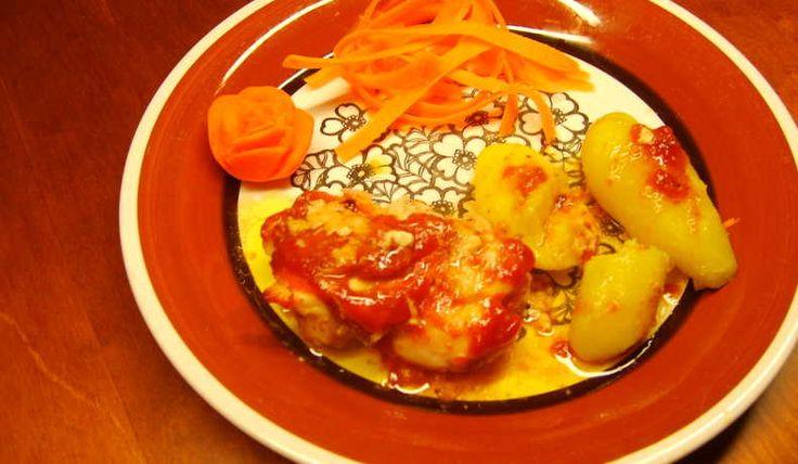 Enkelt recept på torsk (tinad eller djupfryst) eller liknande fisk i ugn. Kryddas med aromat och ketchup. Tro mej ketchup och torsk är gott.