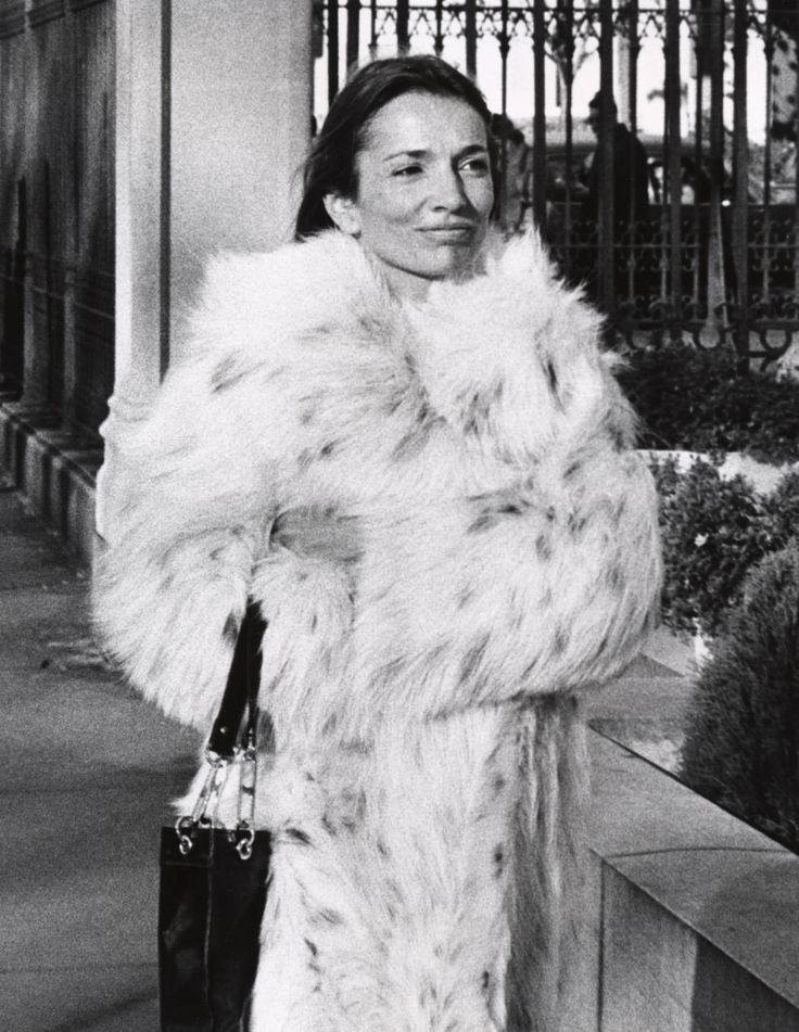 Style Lessons We Can Learn From Lee Radziwill - Lee Radziwill Fashion
