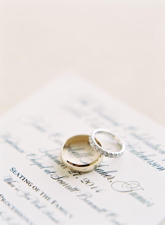 Simple design wedding rings | Jen Huang Portfolio by Jen Huang Photo | http://www.bridestory.com/jen-huang-photo/projects/jen-huang-portfolio