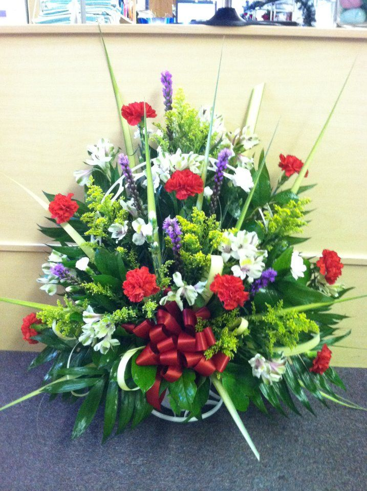 Mixed funeral Basket. www