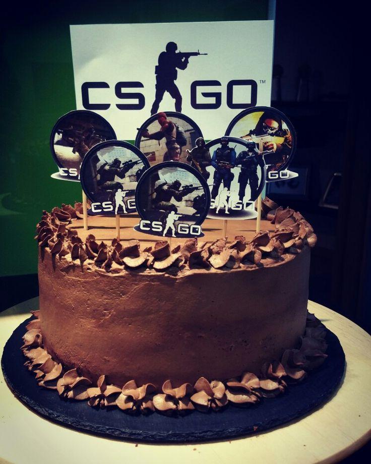"""Bolo de aniversário com o tema """"CS GO"""""""