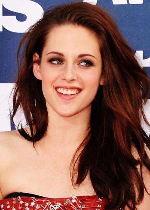 25 Celebrities That Rock Auburn Hair | Hair color auburn ...